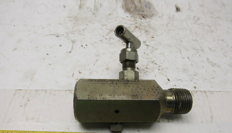A105 Carbon Needle & Gauge Valves